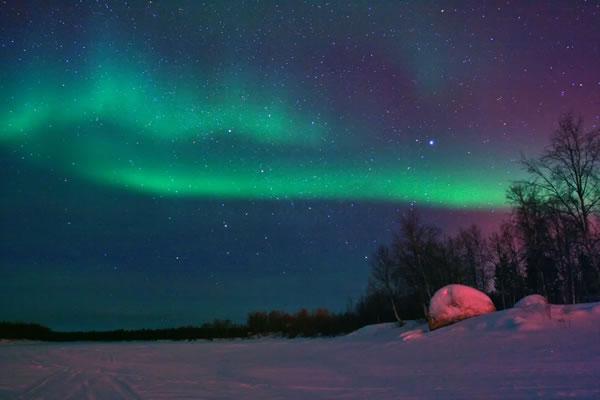 aurora-rock-winter