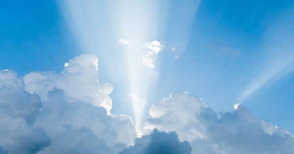 Light rays shine